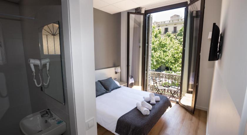 Hostalin Barcelona Gran Via - Barcelona