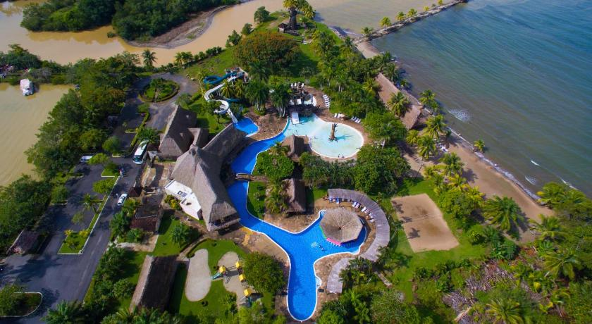 Best time to travel Puerto Barrios Amatique Bay Hotel