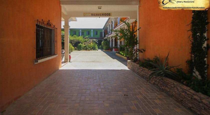 Best time to travel Puerto Barrios RINCON COLONIAL Hotel y Restaurante