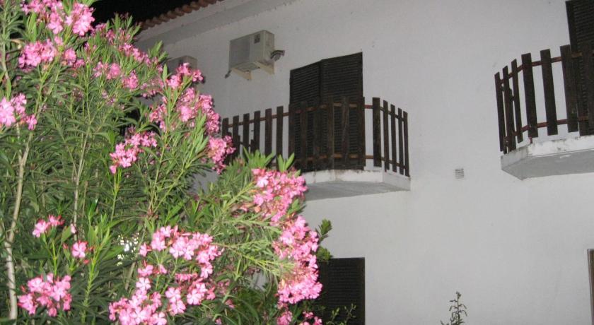 Best time to travel Portugal Casa Morgado