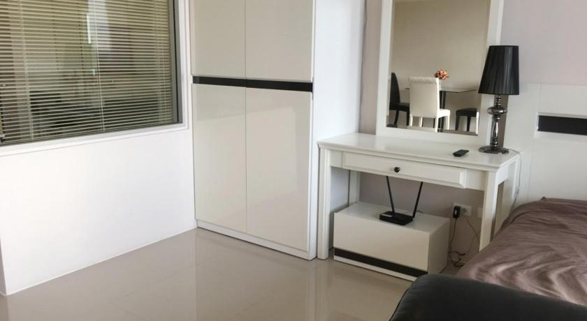 CHIC APARTMENT IN KARON