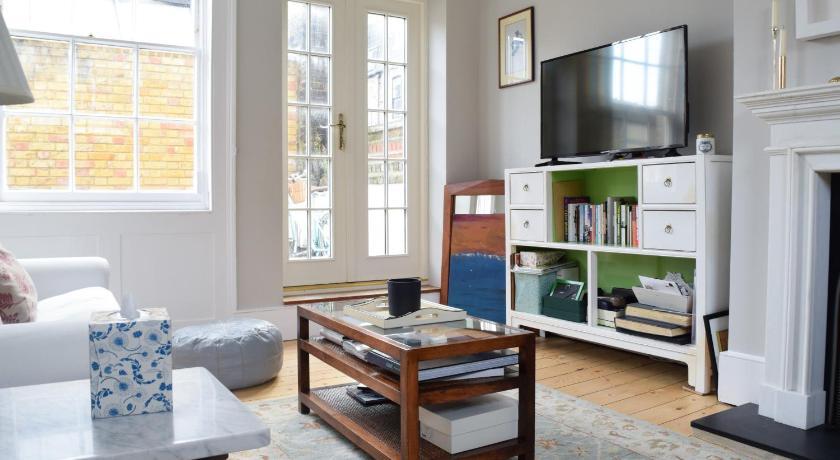 Enjoyable 2 Bedroom House In Islington London United Kingdom Ibusinesslaw Wood Chair Design Ideas Ibusinesslaworg
