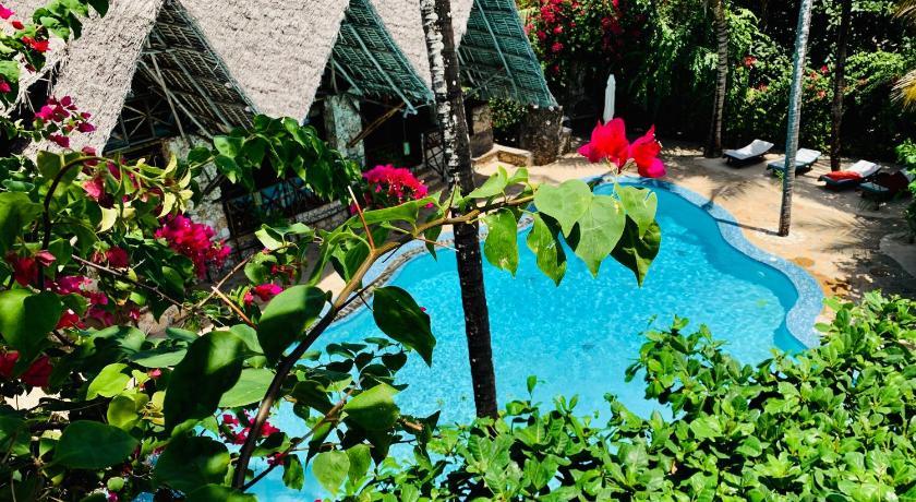 Best time to travel Tanzania Samaki Lodge & Spa