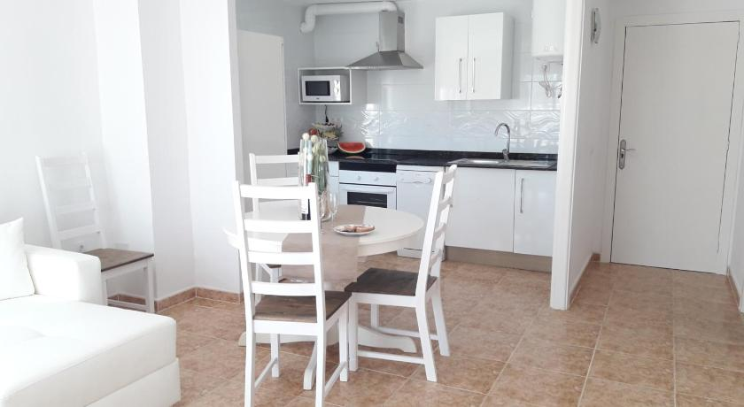 Best time to travel Alcúdia Wonderful, 100 meters from the beach.