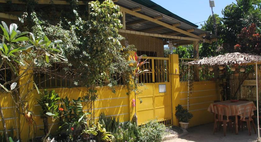 The Yellow House Coron