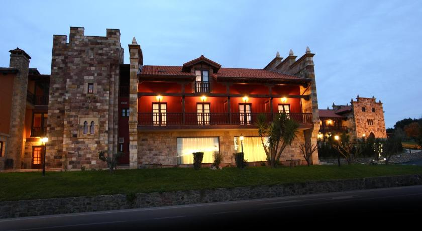 boutique hotels santillana del mar  47