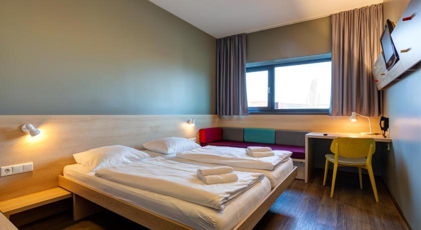Flughafenhotel Berlin Hotels Am Flughafen Berlin Schonefeld