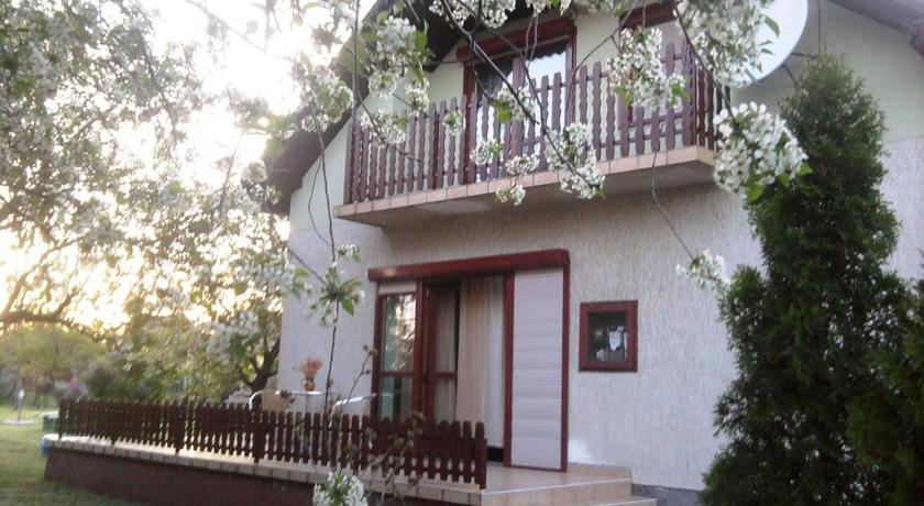 Holiday home in Vonyarcvashegy 20312