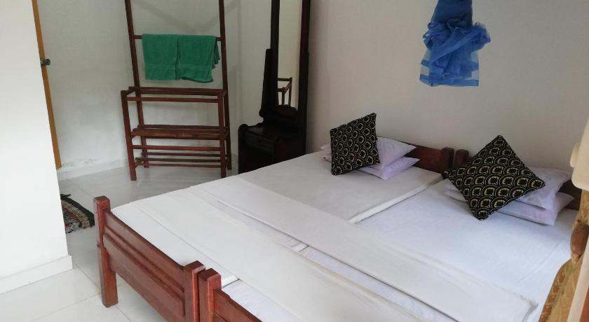 Small Double or Twin Room Lak View Family Resort