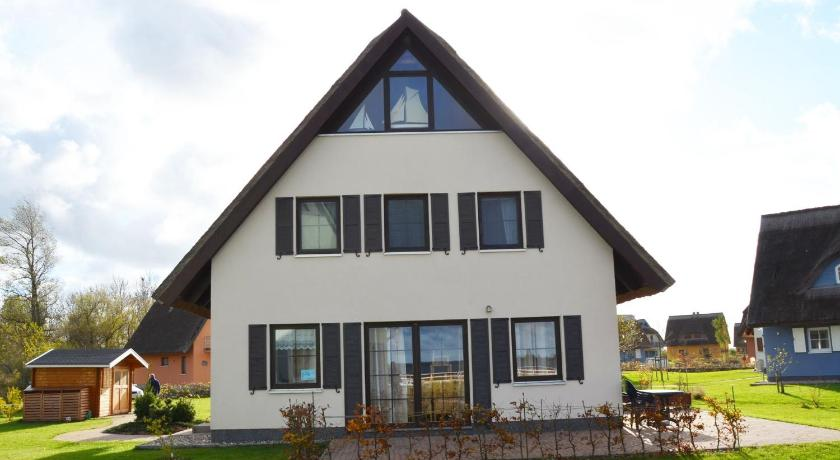Holiday home Vieregge/Insel Rugen 35191