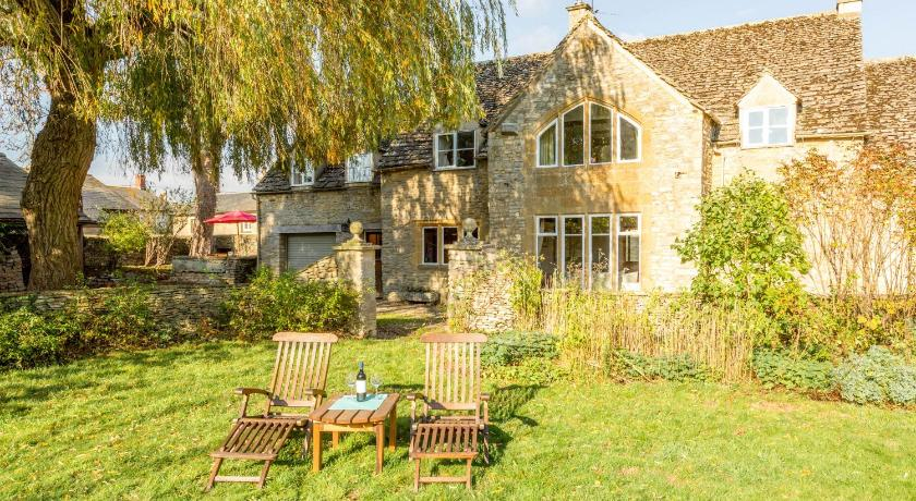 Más sobre Traditional Cotswold Cottage with Stunning Garden