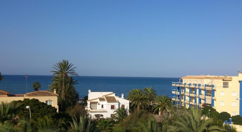 Apartment 80 m from the beach, magnificent views