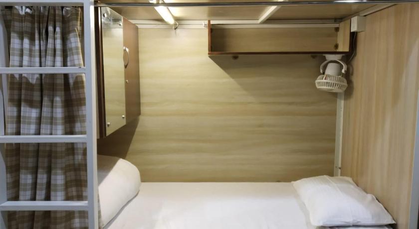 Abuzz Hostel Mahape, Mumbai, India - Photos, Room Rates