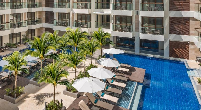 Henann Palm Beach Resort Station 2, Beachfront, Boracay