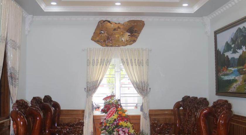 Khach san Nam Son