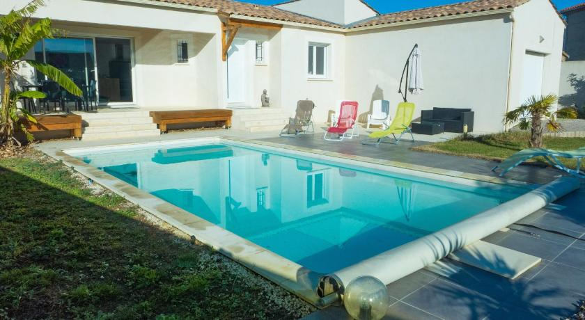 Més informació sobre Peaceful Holiday Home in Lezignan-Corbieres with Pool