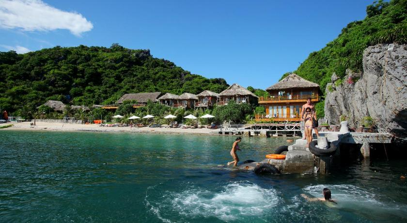 Best time to travel Vietnam Monkey Island Resort