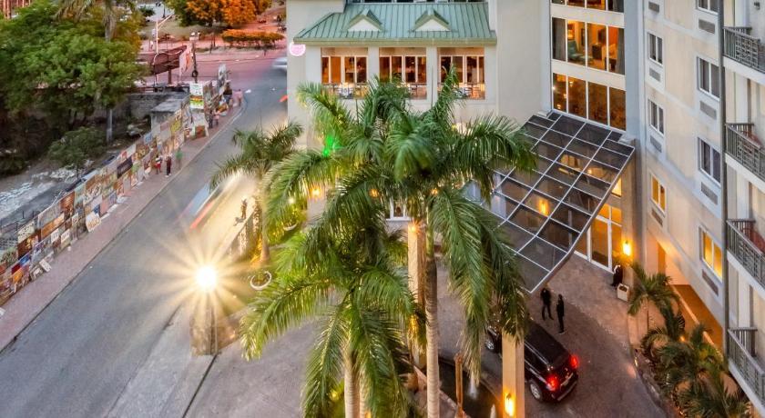 Best time to travel Pétion-Ville Kinam Hotel