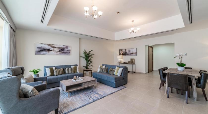 Apartment Hometown Apartments - 3 Bedroom Executive Condo next to Dubai Downtown