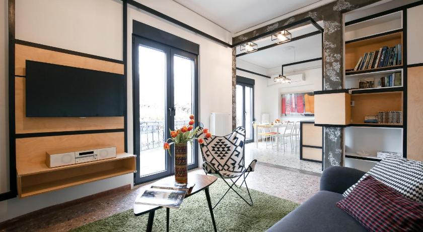 Best time to travel Athens Semedaki Design Apartment