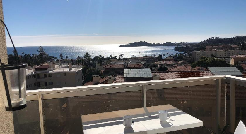**** Panoramic Top Roof in Beaulieu ****
