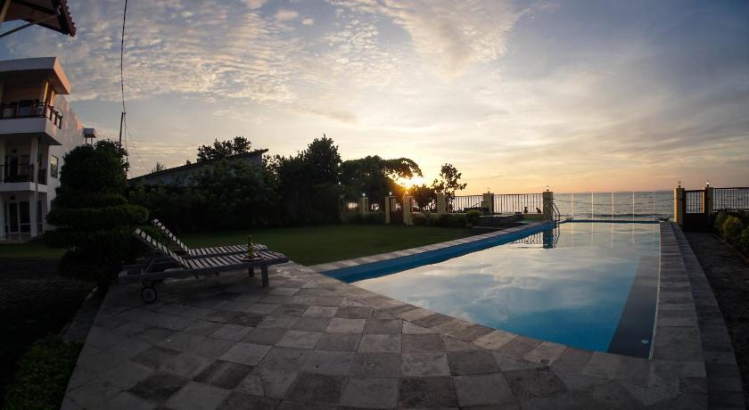Marina Seaview Apartments In Jepara Room Deals Photos