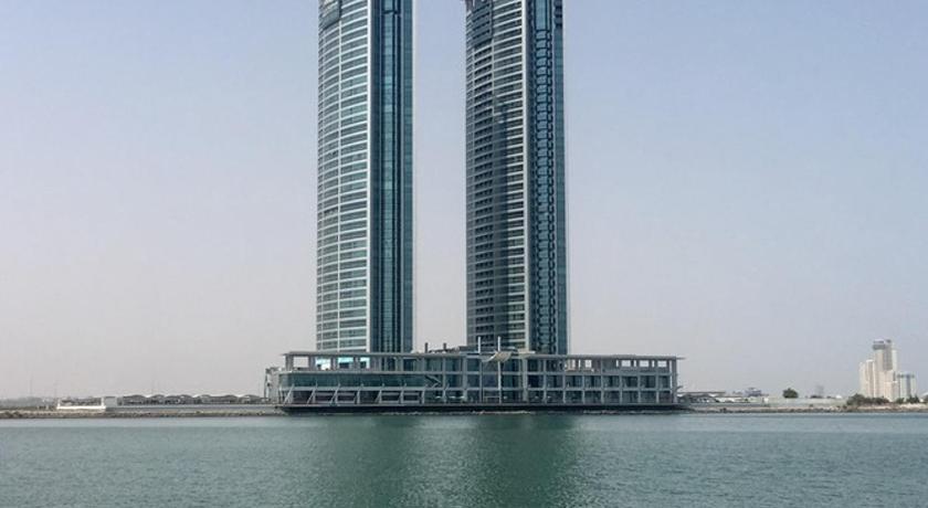 Best time to travel Ras al-Khaimah Julphar Towers