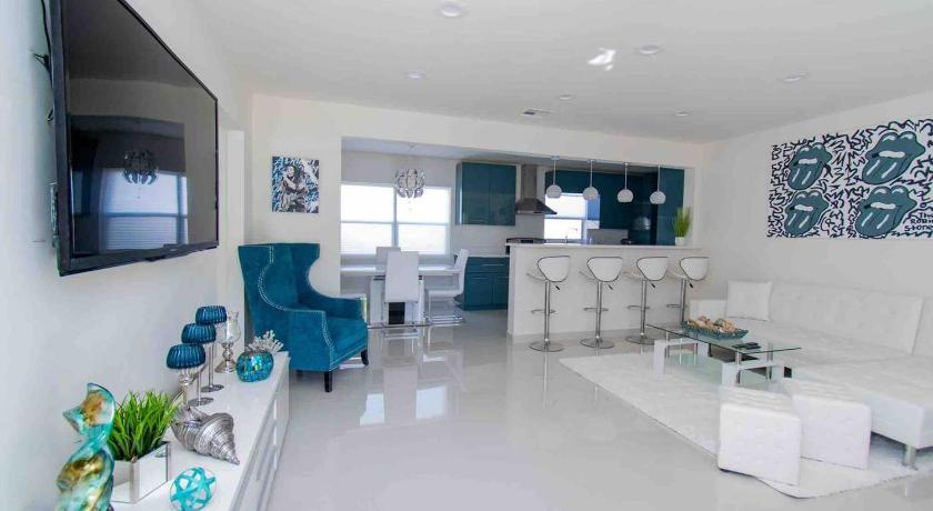 Luxury Family Vacation Home Close to Beach/Casino Fort Lauderdale