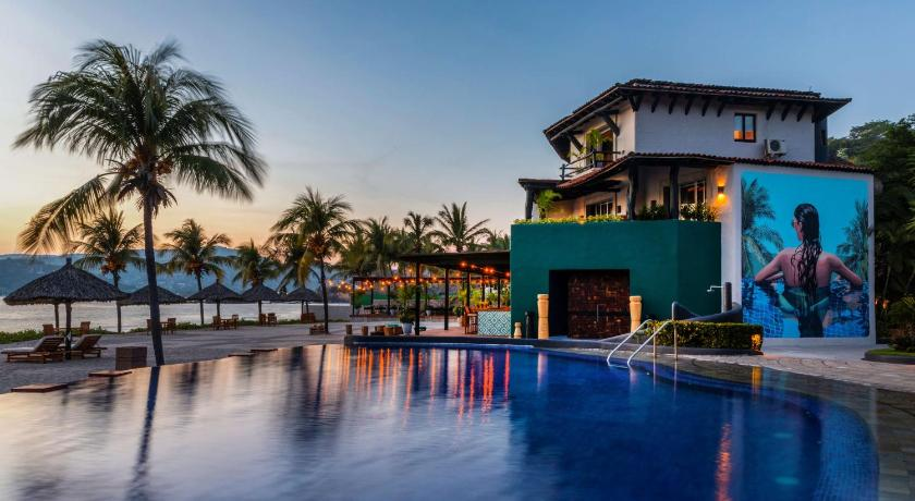 Best time to travel Mexico Thompson Zihuatanejo