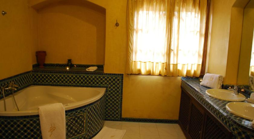 Standard Double Room Dar Tahra