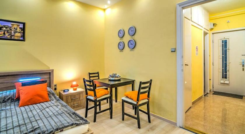 Best time to travel Guatemala Orient Apartment-right at the Keleti Station