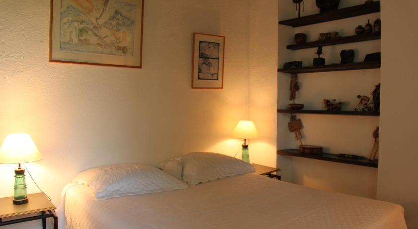 Double Room La Mazade de Saint Mamert