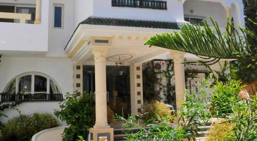 Best time to travel Aryanah Residence Romane