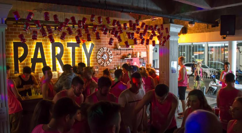 Bodega Phuket Party Hostel