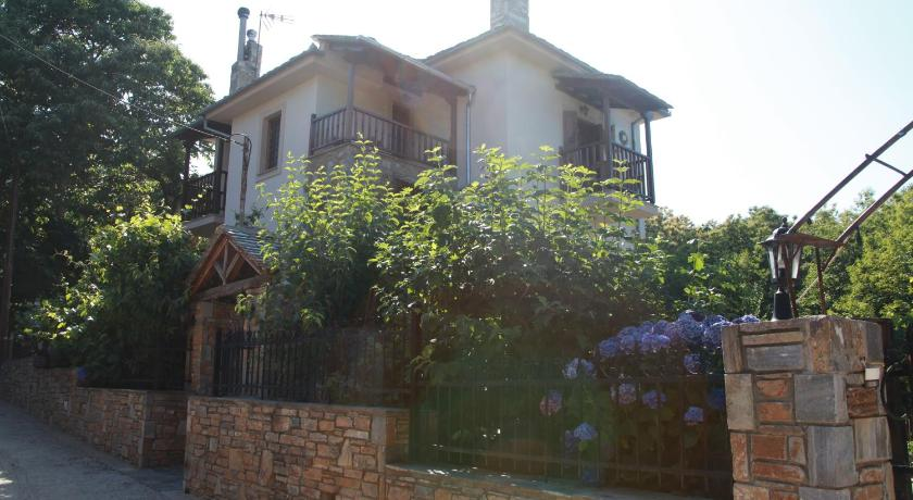Best time to travel Greece Guesthouse Xenioti