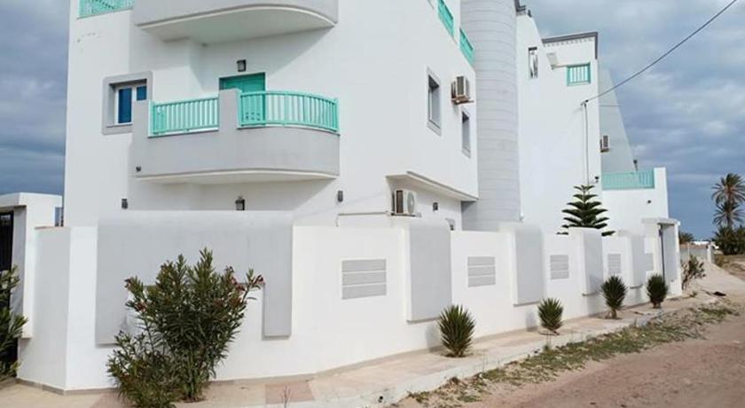 Best time to travel Tunisia Résidence barnat