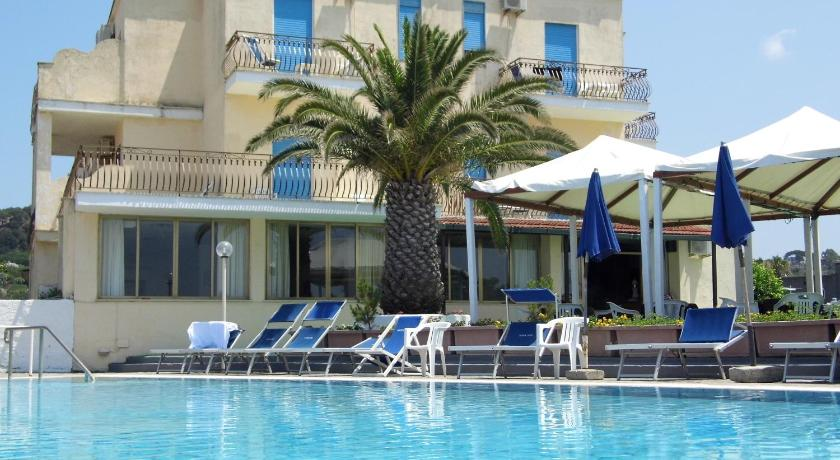 Best time to travel Italy Hotel San Vito