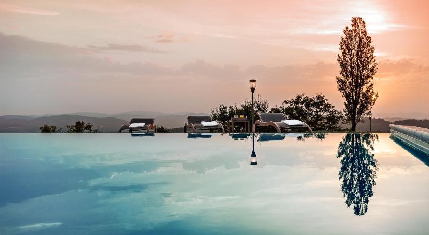 Nikis Resort