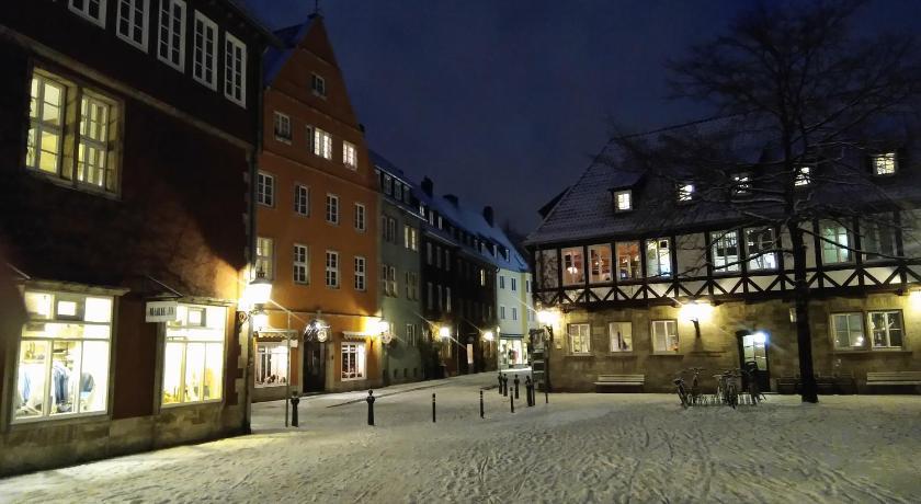 Best time to travel Hanover Hannover Ballhof