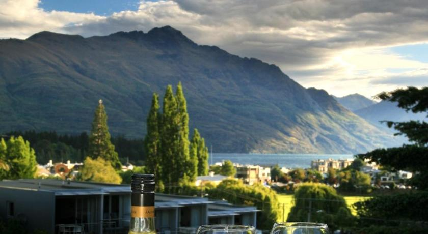 Best time to travel New Zealand Cranbury Court Apartments