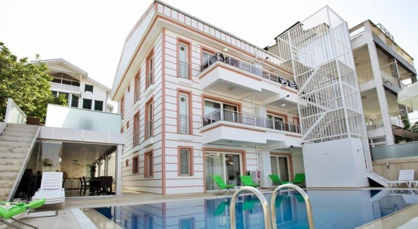 Best time to travel Ümraniye Kinali Hotel