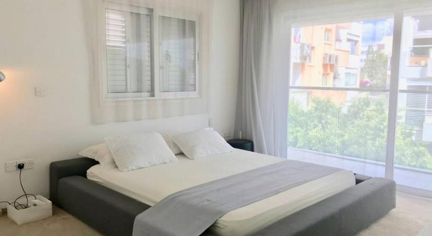 Best time to travel Cyprus Ultra modern Huge 3 bedroom apartment