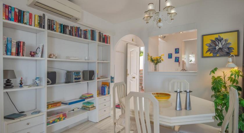 Best Price on Cornisa Calahonda Apartment in Mijas + Reviews!
