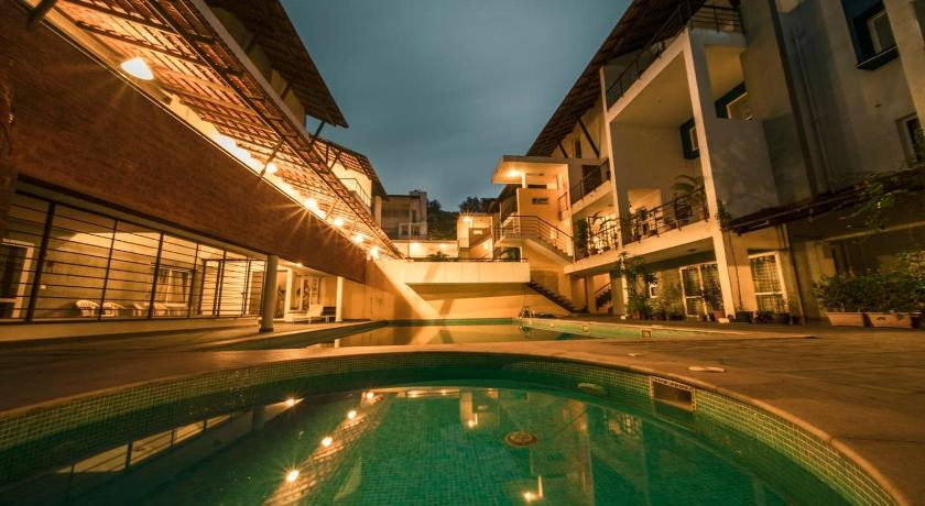 3BHK Duplex Penthouse with 3 Terraces,Pool & Gym