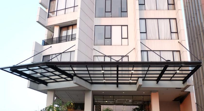 Hotel Rivoli Senen Jakarta Jakarta Best Price Guarantee Mobile Bookings Live Chat