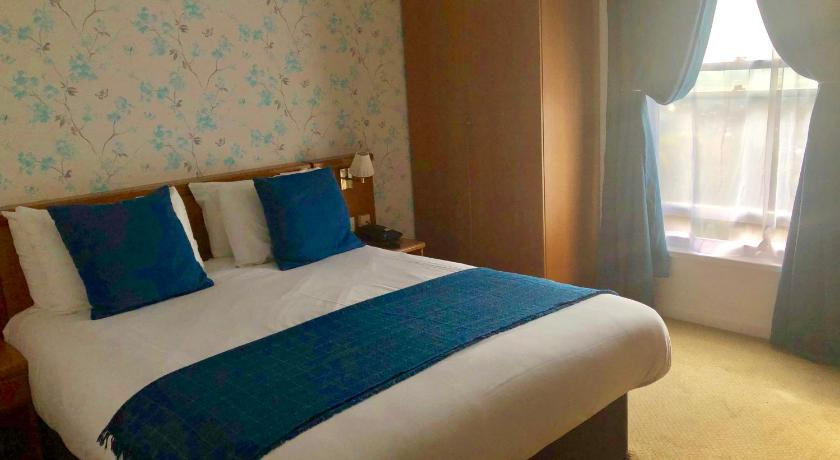 Double Room Rising Sun Hotel by Greene King Inns