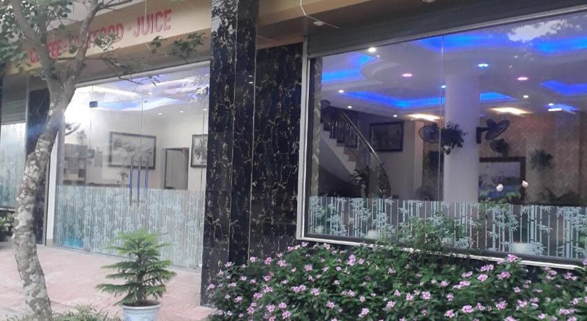 Trang an Mua Xuan Restaurant Hostel