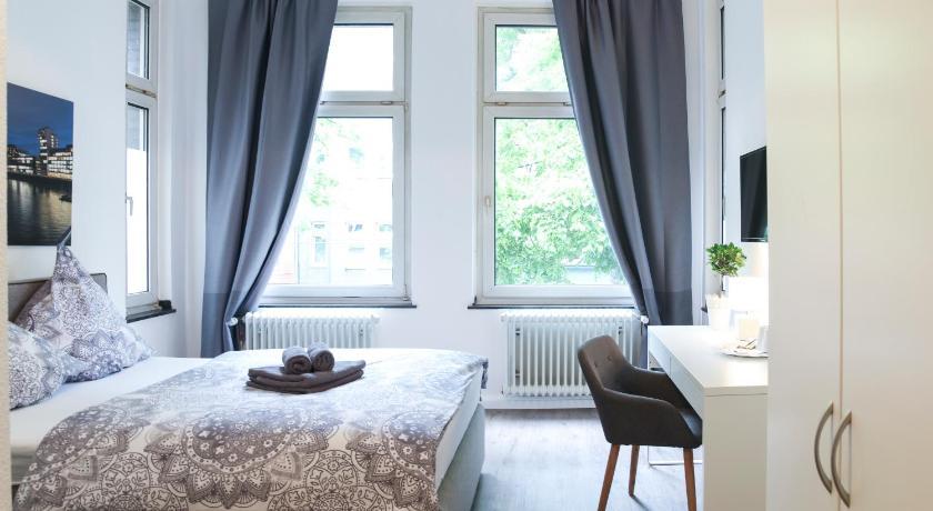 Book Dreams Dusseldorf In Germany 2019 Promos