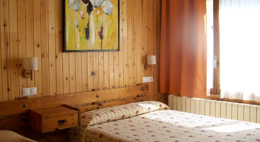 Best time to travel Spain Hotel Prats