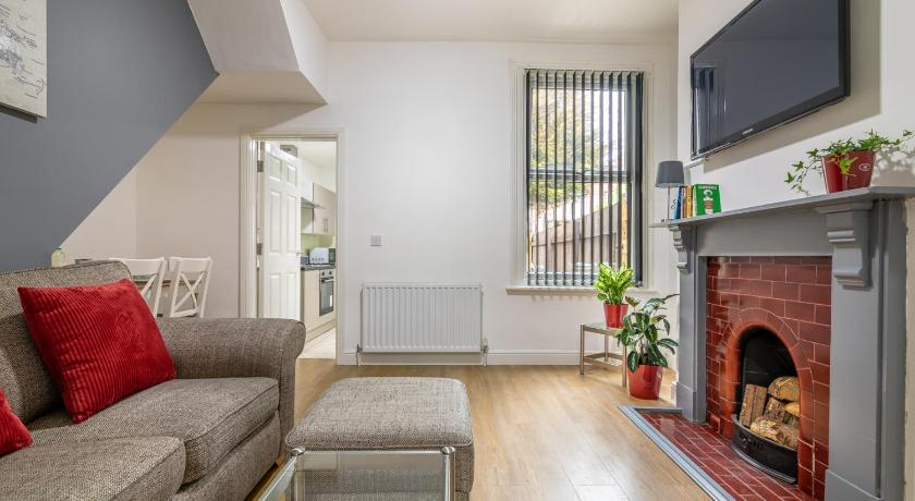 Self Contained Ground Floor Flat 1 26